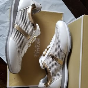 NEW Michael Kors MK Maggie White sneakers shoes